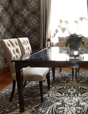 custom-made-table-and-chairs-with-catherine-martin-wallpaper